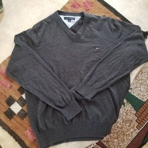 Tommy Hilfiger Men's Grey V-Neck Sweater